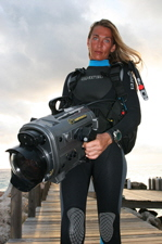 24fps Productions 'Underwater Video Basics' trailer ~ Stefanie Voigt: underwater talent and 2nd DOP underwater